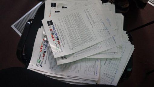 Į kiekvieną sakinį PVČ klausimų lapuose įdėtos ištisos valandos daugelio žmonių darbo